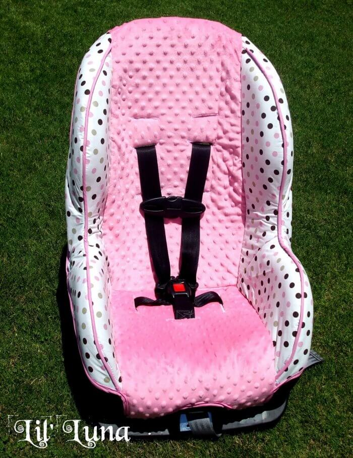 Learn how to make a car seat cover with this super cute and easy Car Seat Tutorial! { lilluna.com }