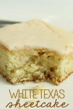 White Texas Sheetcake. Mmmm, my favorite! Recipe on { lilluna.com }