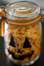 Cute Pumpkin Jars Tutorial on { lilluna.com }