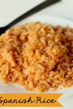 Restaurant Style Spanish Rice. The best and easiest recipe! { lilluna.com }
