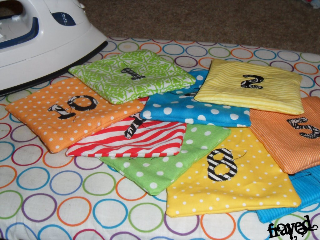 Fun and Adorable Bean Bag Tutorial on { lilluna.com }. Kids will love these and it's a fun way to learn!