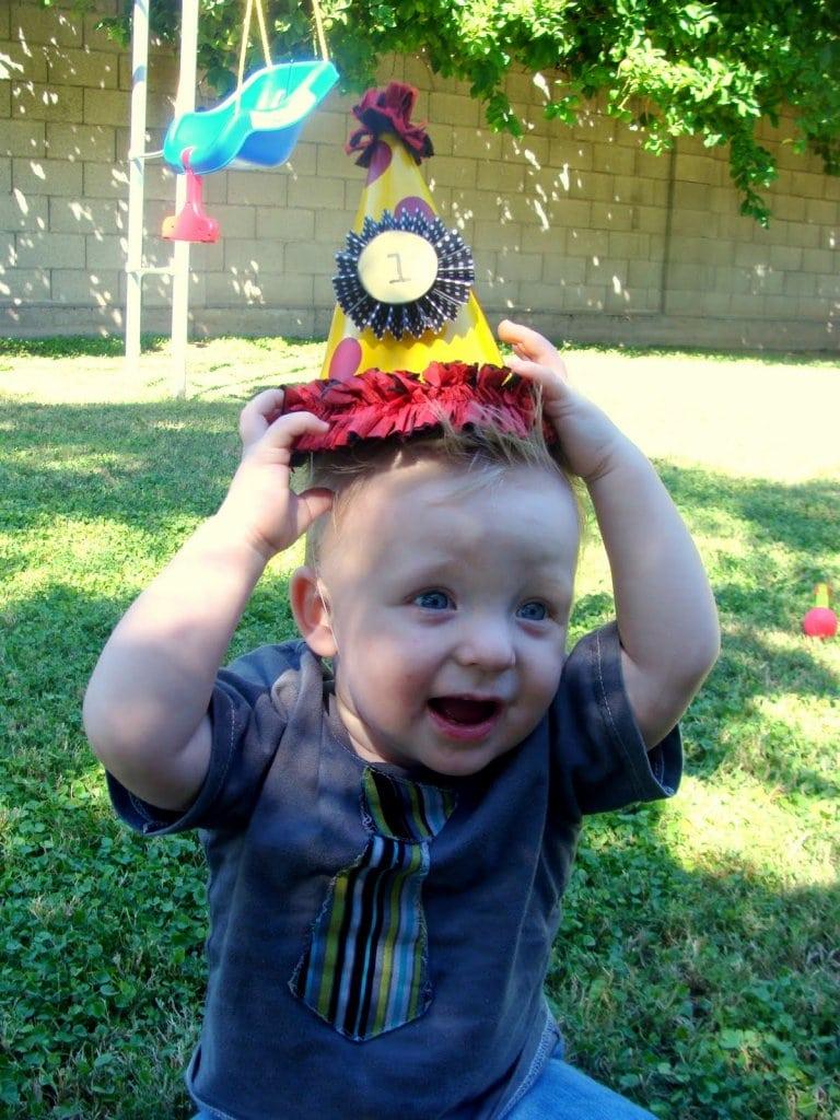 Fun Carnival Party Ideas on { lilluna.com } Everyone is sure to have fun!!