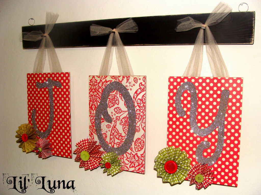 Reversible Boo and Joy Sign Tutorial on { lilluna.com }