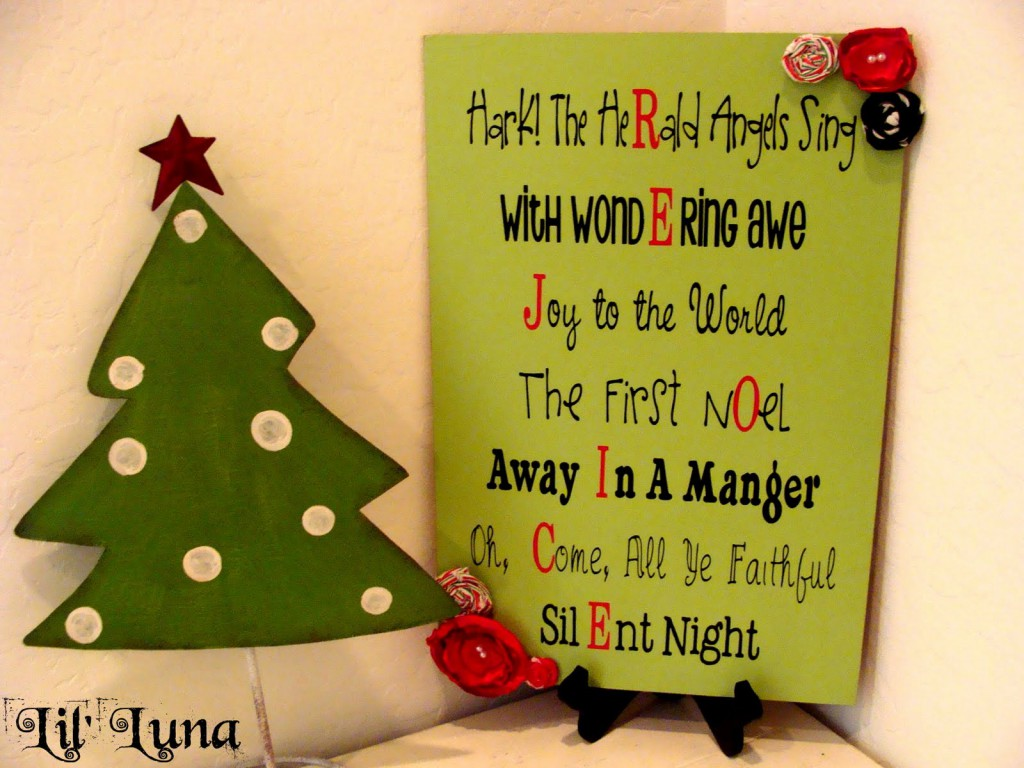 How to make this super easy and cute Rejoice Christmas Sign and Printable on { lilluna.com }