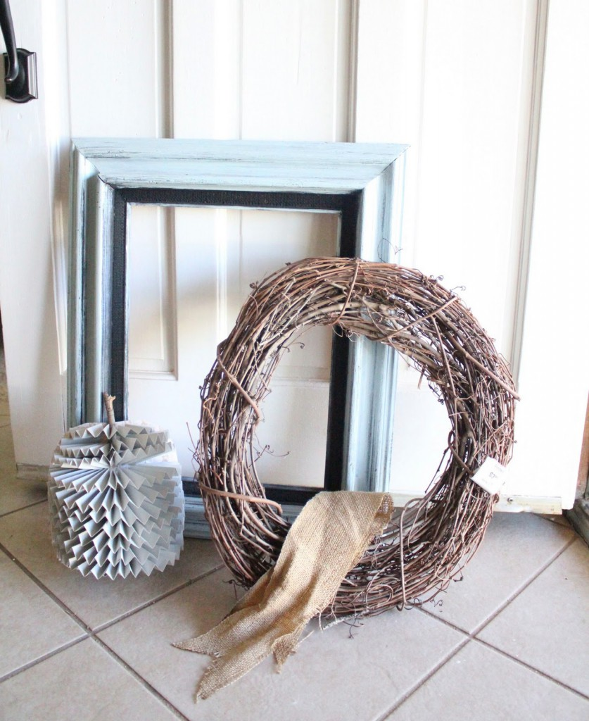 How to make a super cute and easy Framed Pumpkin Wreath { lilluna.com } Few supplies needed to make this adorable fall decor!!