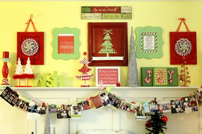 Christmas Cards Banner!! Such a fun way to display all those cards!!