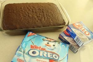 oreo-pudding-poke-cake1