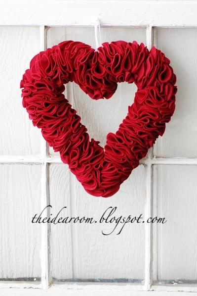 15+ Valentine's Wreaths! A collection of super cute and easy wreaths for your door!