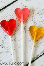 Adorable Homemade Valentines Suckers. { lilluna.com }