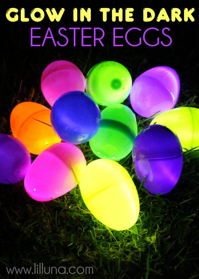 Glow in the Dark Easter Eggs!! The kids LOVED this!!! { lilluna.com }