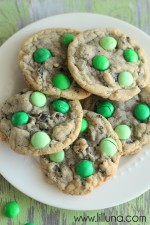 Mint M&M Oreo Cookies. LOVE these!! #cookies