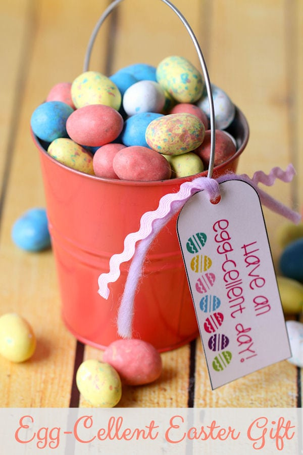 Cute FREE Egg-cellent Easter tag on { lilluna.com } Cute tag for any gift!!