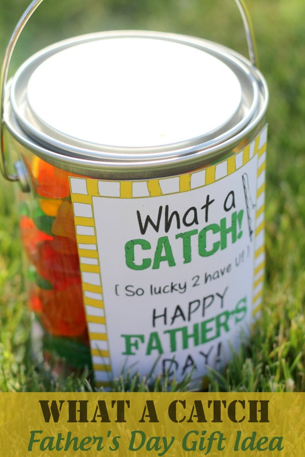 What A Catch Father's Day Gift Idea with free print on { lilluna.com } Fill with Swedish fish and you're set!