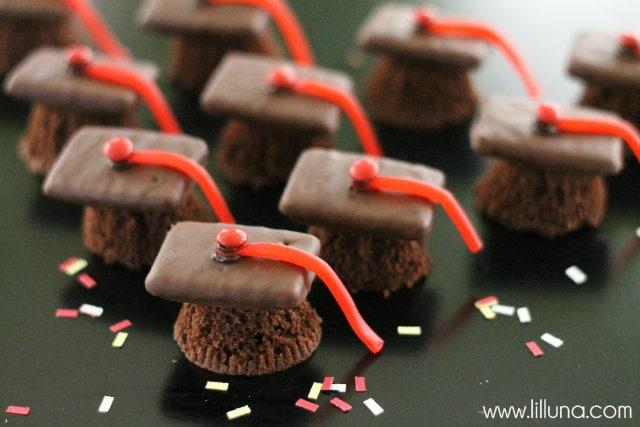Mini Cupcake Graduation Caps