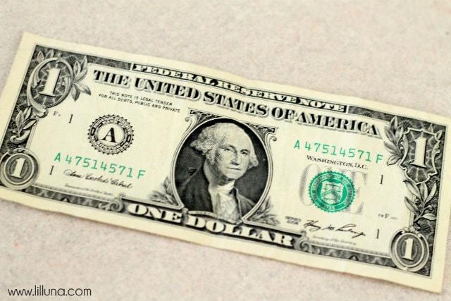 How to make Money Leis on { lilluna.com } Such a great graduation gift!!