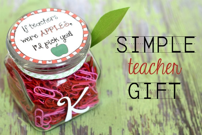 If Teachers Were Apples I'd Pick You - CUTE gift idea and free print on { lilluna.com }