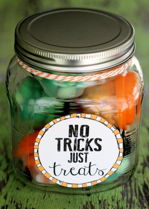 No Tricks Just Treats Jar!! Great gift idea! Fill with fun little treats!