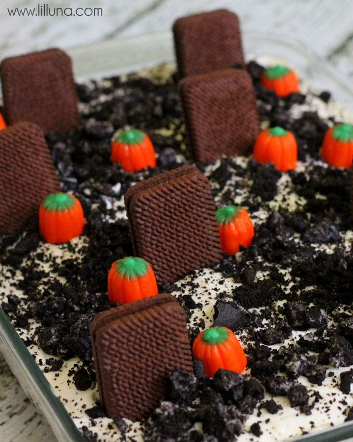 CUTE Graveyard Dirt Cake recipe