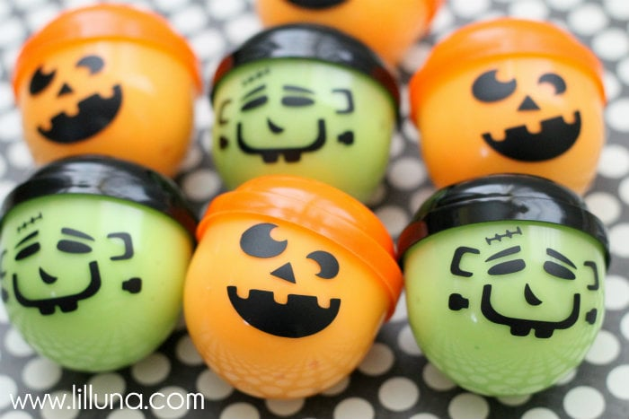 Halloween Gak Treats - every kid would come knocking on your door if you were handing out these! { lilluna.com }
