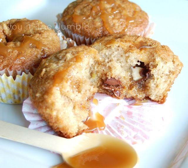 Super delicious Caramel Apple and Chocolate Muffins. YUM! { lilluna.com }