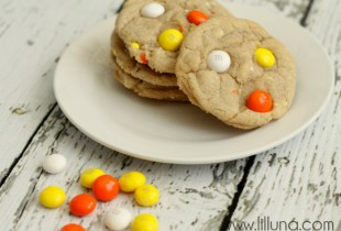 White Chocolate Candy Corn M&M Cookies - YUMMY!!