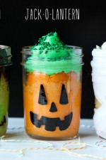 Halloween Themed Mason Jar Mini Cakes
