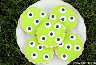 Monster Eye Cookies - LOVE these easy but cute cookies!!
