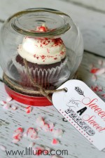 Cupcake Gift Jar - so cute and inexpensive. Plus free printable! #gift