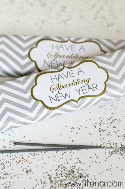 Have a Sparkling New Years Printable. CUTE idea!! { lilluna.com }