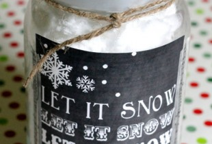 Let it Snow Chalkboard Print. Cute idea at { lilluna.com }
