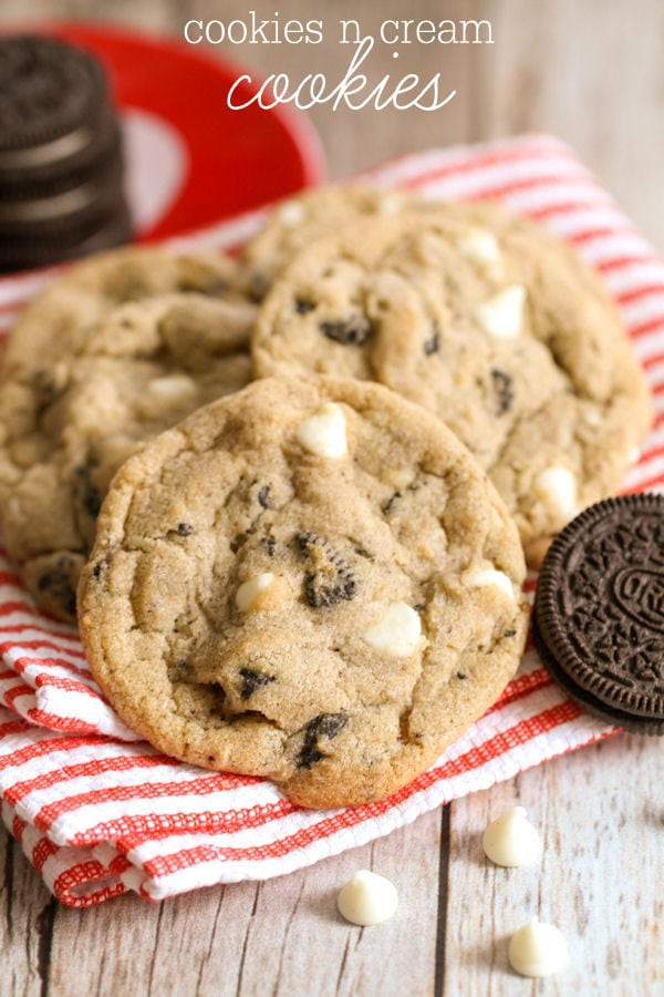 Cookies N Cream Cookies - soft and chewy cookies filled with white chocolate chips and Oreos. { lilluna.com }