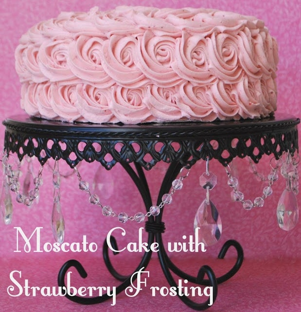 Beautiful & delicious Moscato Cake with Strawberry Frosting! Tutorial on { lilluna.com }