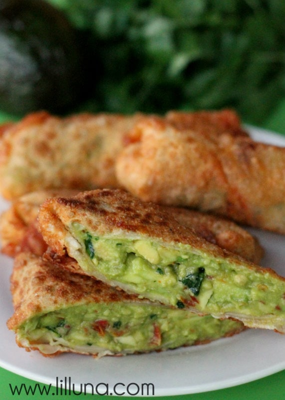 Cheesecake Factory's Avocado Egg Rolls. Easy and yummy recipe on { lilluna.com }