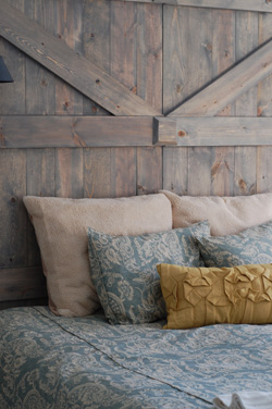 barndoorpillows