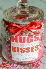 valentine-hug-and-kiss-jar-2