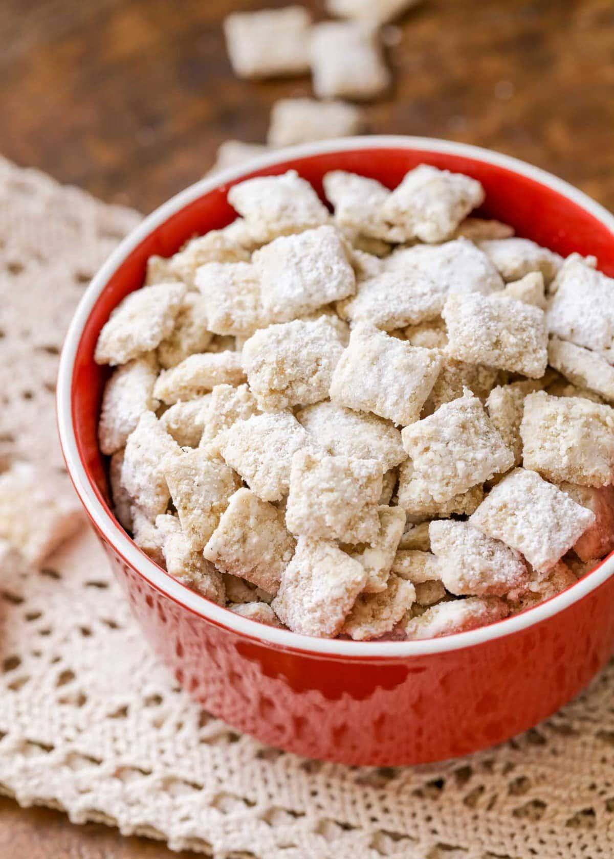 White puppy chow recipe