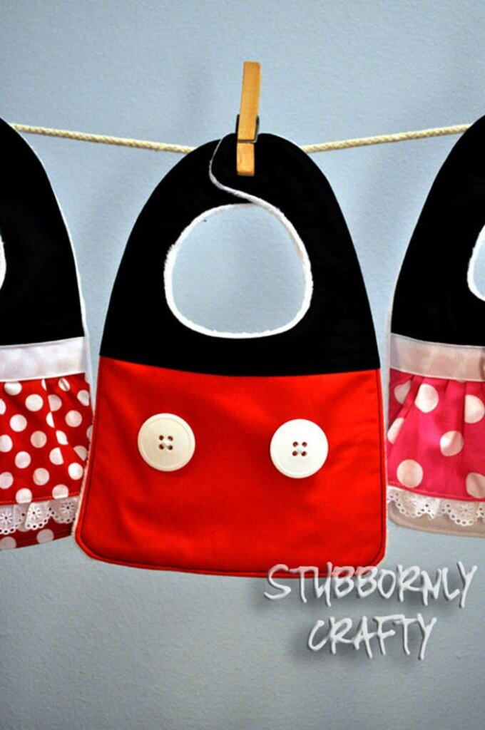 Mickey Mouse Baby Bib Tutorial { lilluna.com } So cute and would make a great gift!