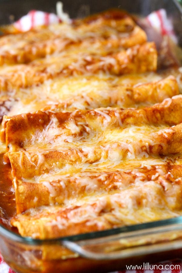 Restaurant-Style Red Cheese Enchiladas - an old family favorite recipe ...