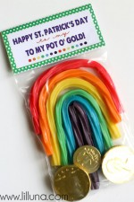 St. Patrick's Day Pot O Gold Gift with FREE prints { lilluna.com }
