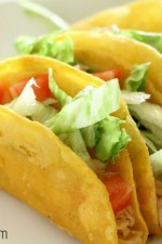 Restaurant Style Chicken Tacos. These are the best! { lilluna.com }