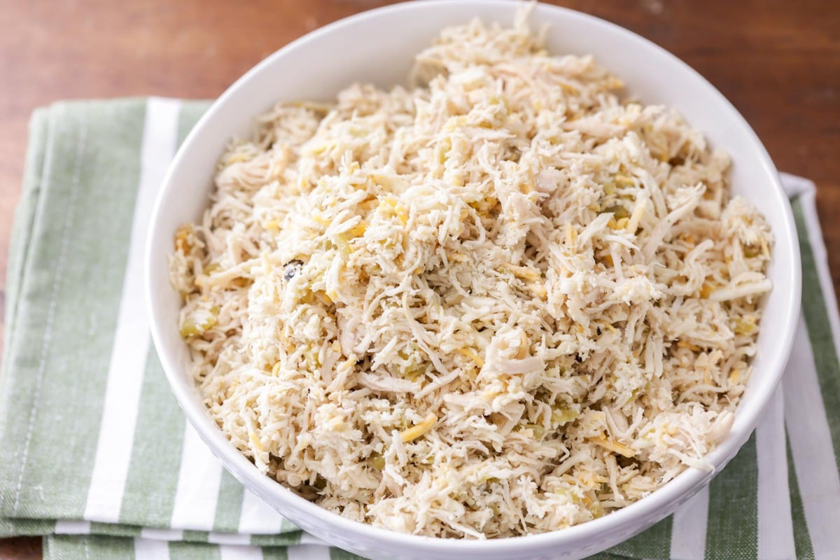 Shredded chicken for shredded chicken tacos