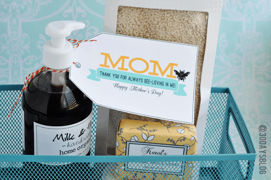 Mother's Day Printable. Mother's will love relaxing with this great gift!!