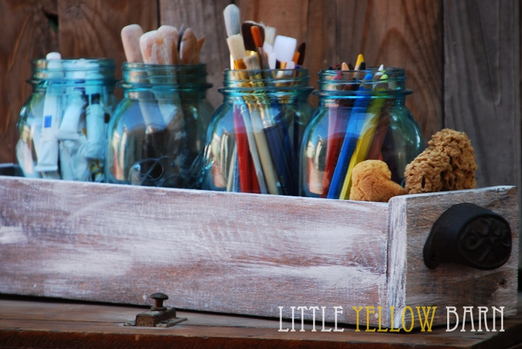 DIY Planter Box Tutorial on { lilluna.com } Such a great idea to hold so many different things!