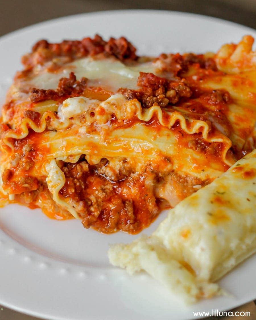 World's Best Lasagna Recipe - So Easy & Delicious!