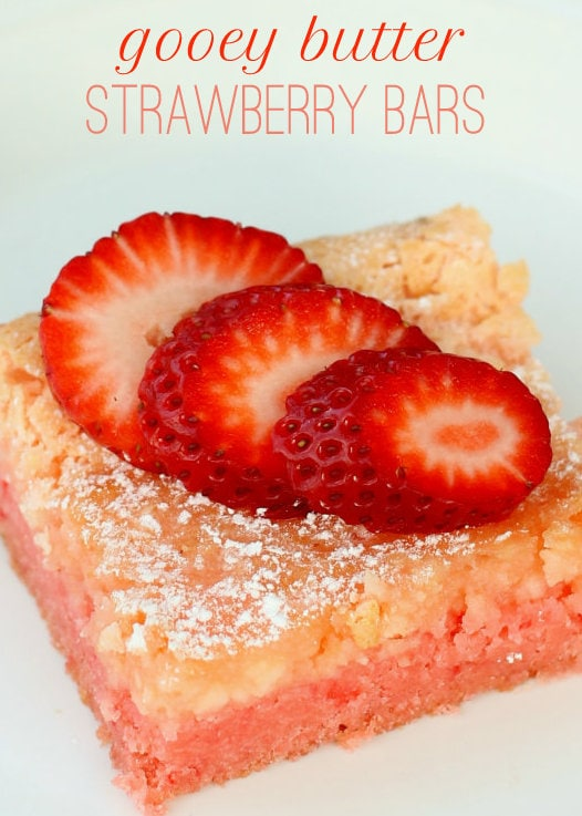 Gooey Butter Strawberry Bars on { lilluna.com } These are so delicious and soft! Made with a strawberry cake mix!