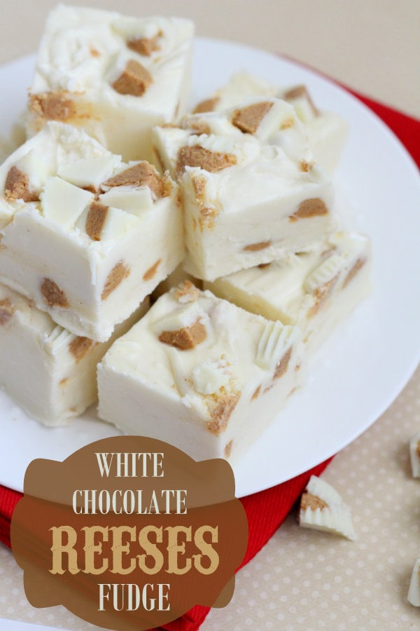 White Chocolate Reeses Fudge - so good and so easy! White chocolate chips, white chocolate reeses, & marshmallow creme make this fudge so yummy!