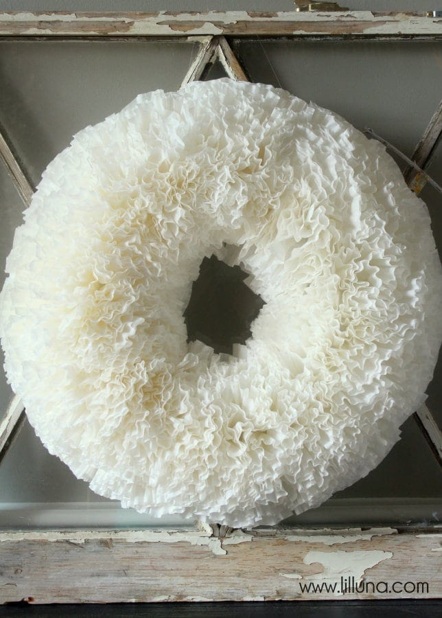 Easy but beautiful Coffee Filter Wreath Tutorial { lilluna.com } Takes ...