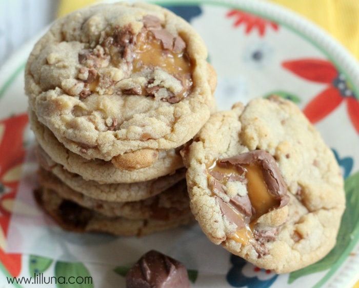 These Milky Way Caramel Cookies are DELICIOUS! { lilluna.com } Soft cookies filled with caramel bits & crushed milky way pieces!
