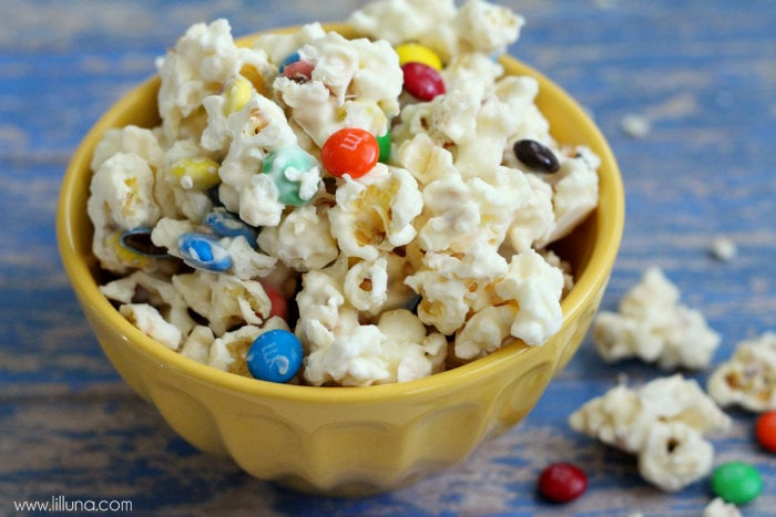 White Chocolate M&M Popcorn Recipe - DELISH!