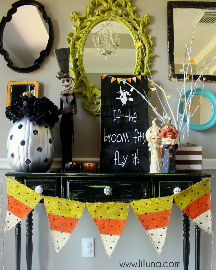 CUTE Burlap Candy Corn Banner on { lilluna.com } Easy to make - just grab your burlap, paint, twine and you're set!